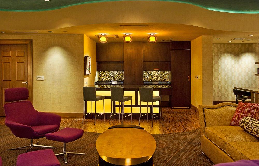 Presidential Suite Bar