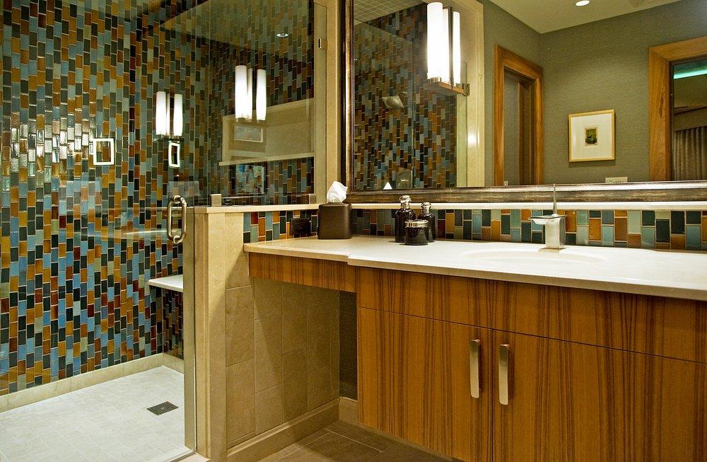 Presidential Suite His Bath